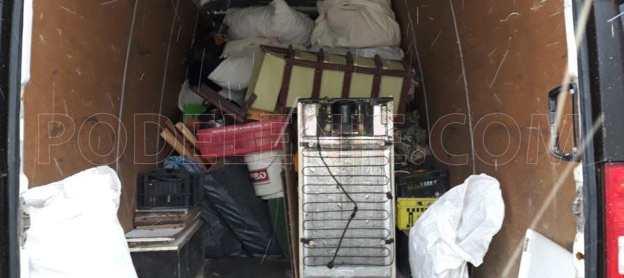 Екип хамали за изхвърляне и извозване на скрин Хасково